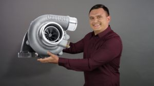 De-ce-se-defecteaza-turbina-masinii